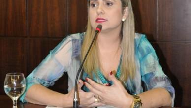 A presidente da OAB de João Monlevade,  Larissa de Oliveira Santiago Araújo [Divulgação]